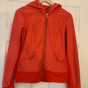 LULULEMON ORANGE RUNNING JACKET